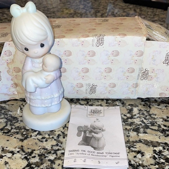 1991 Precious Moments 'A Special Delivery' figure